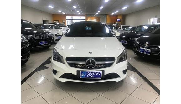 //www.autoline.com.br/carro/mercedes-benz/cla-200-16-vision-16v-flex-4p-automatizado/2016/maringa-pr/6838045