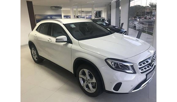 //www.autoline.com.br/carro/mercedes-benz/gla-200-16-enduro-16v-flex-4p-automatizado/2018/sao-paulo-sp/7647545