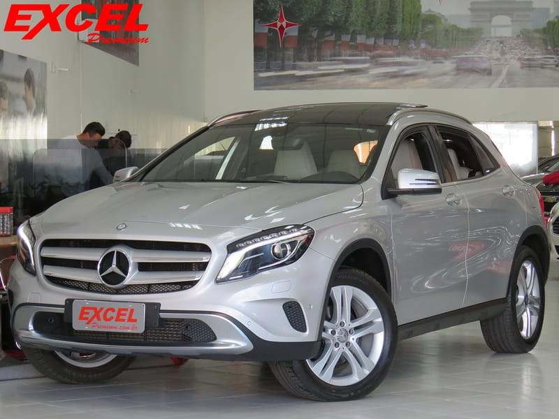 //www.autoline.com.br/carro/mercedes-benz/gla-200-16-vision-turbo-156cv-4p-flex-automatico/2015/curitiba-pr/9166061