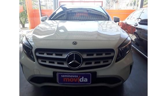 //www.autoline.com.br/carro/mercedes-benz/gla-200-16-style-16v-flex-4p-automatizado/2018/niteroi-rj/9679512