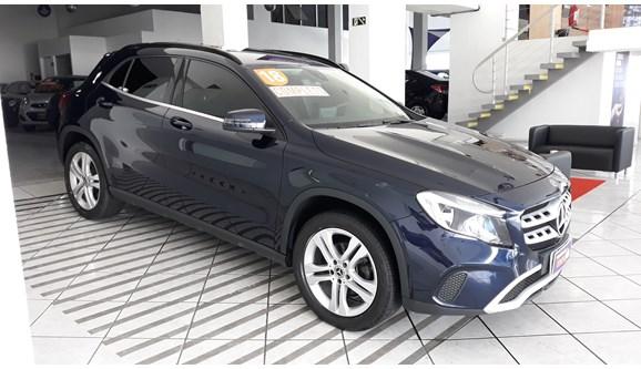 //www.autoline.com.br/carro/mercedes-benz/gla-200-16-style-16v-flex-4p-automatizado/2018/curitiba-pr/9680186