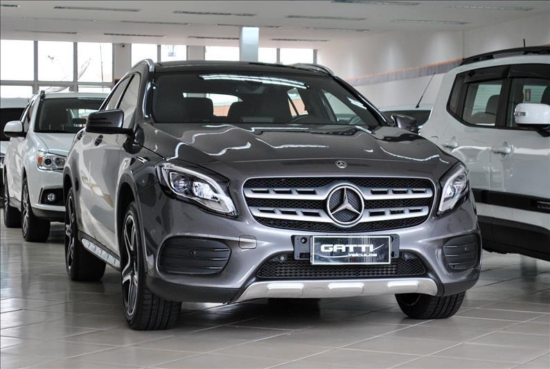 //www.autoline.com.br/carro/mercedes-benz/gla-250-20-sport-16v-gasolina-4p-turbo-automatizado/2018/osasco-sp/14776877