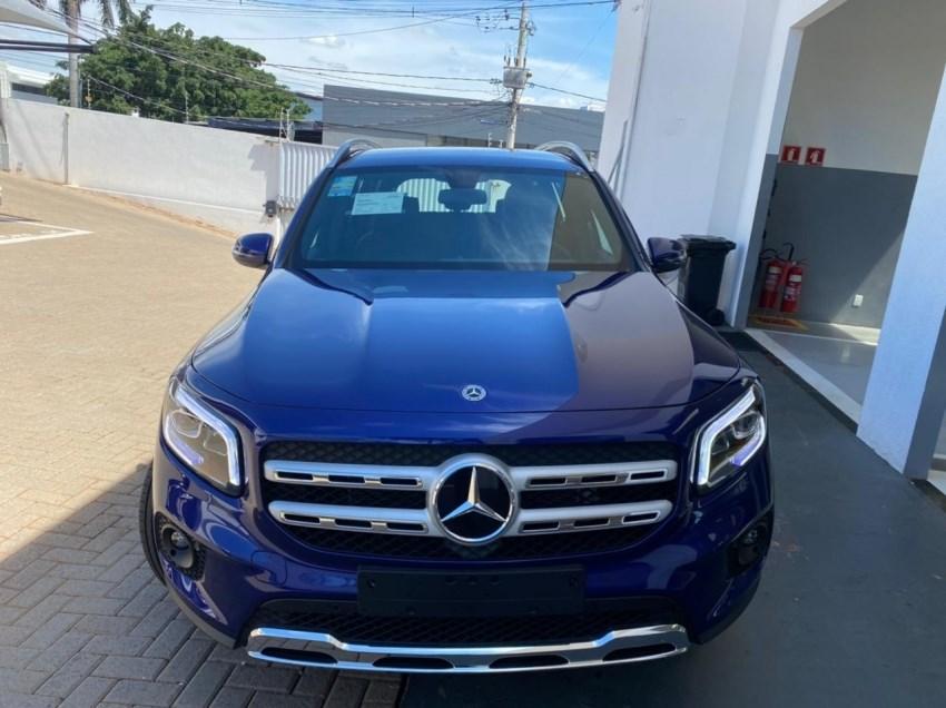 //www.autoline.com.br/carro/mercedes-benz/glb-200-13-glb-advance-16v-gasolina-4p-turbo-automati/2021/campo-grande-ms/15330612