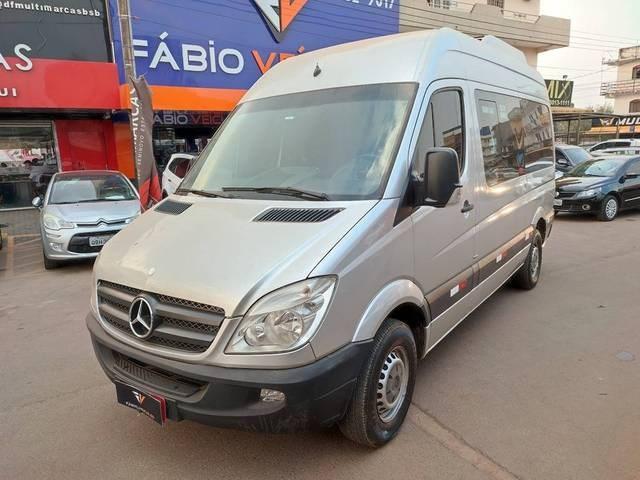 //www.autoline.com.br/carro/mercedes-benz/sprinter-21-cdi-311-street-chassi-extra-longo-16v-dies/2013/brasilia-df/15582819