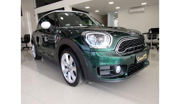 //www.autoline.com.br/carro/mini/cooper-20-countryman-s-16v-gasolina-4p-automatico/2017/curitiba-pr/12652586