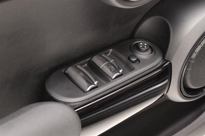 //www.autoline.com.br/carro/mini/cooper-20-s-cabriolet-16v-gasolina-2p-turbo-automati/2018/recife-pe/14592917