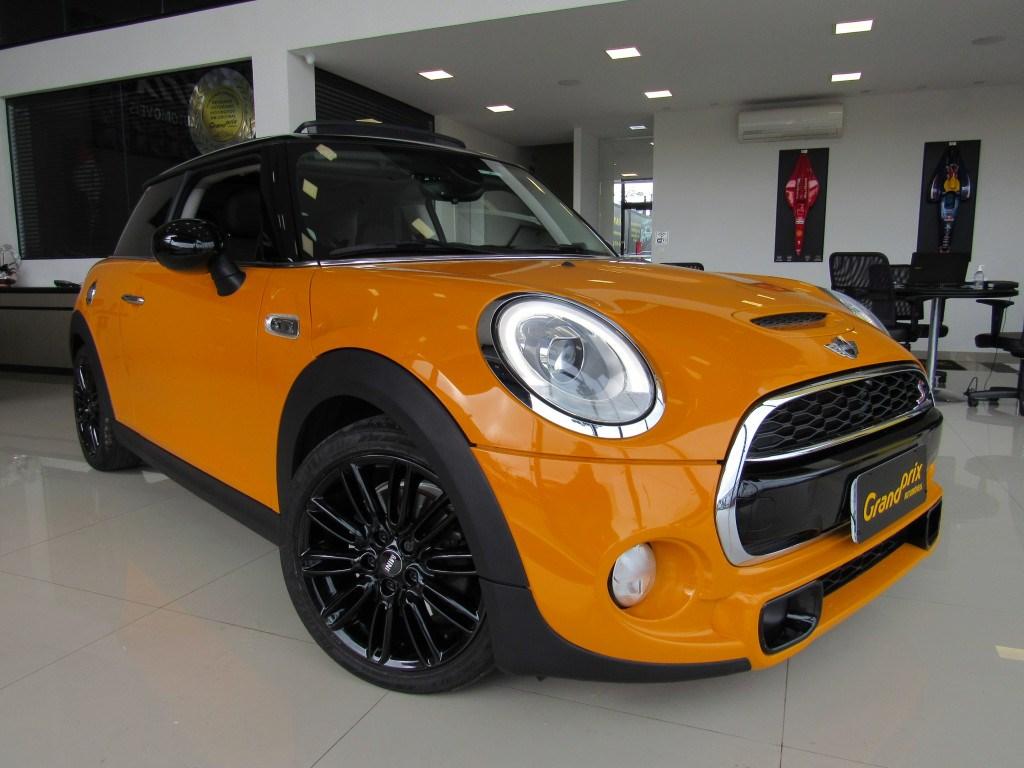 //www.autoline.com.br/carro/mini/cooper-20-s-exclusive-16v-gasolina-2p-turbo-automati/2016/curitiba-pr/14929884