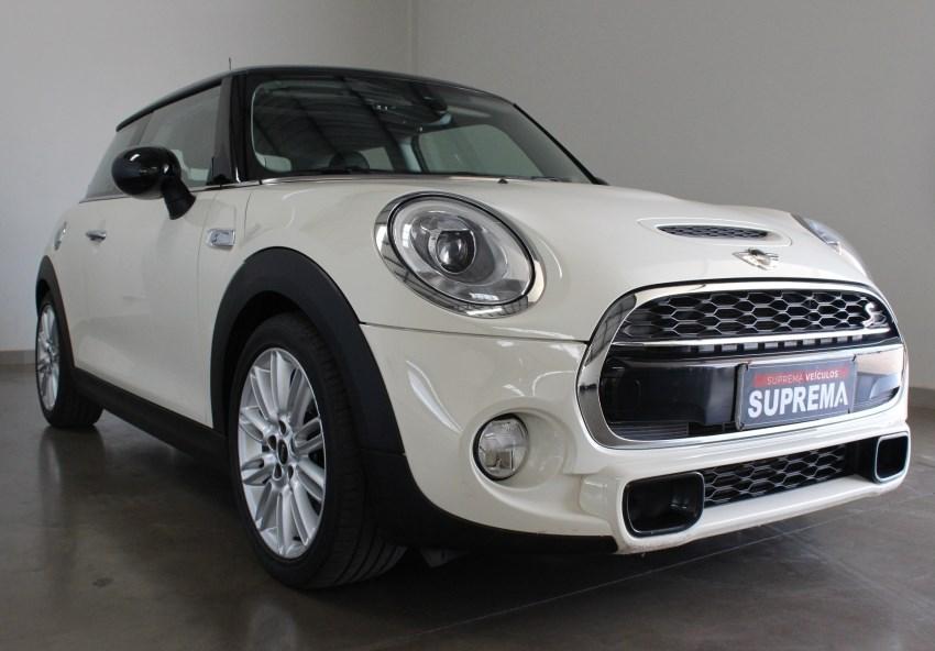 //www.autoline.com.br/carro/mini/cooper-20-s-top-16v-gasolina-2p-turbo-automatico/2015/brasilia-df/15800792