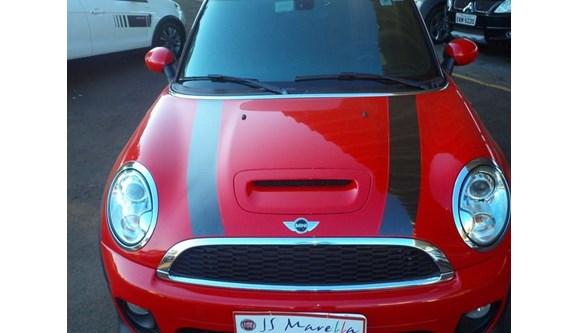 //www.autoline.com.br/carro/mini/cooper-16-john-cooper-works-16v-conversivel-gasolina/2014/catanduva-sp/6779512