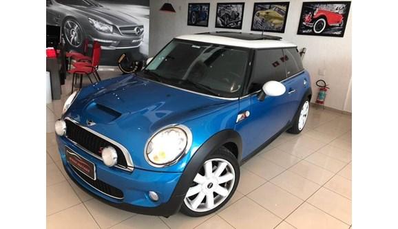 //www.autoline.com.br/carro/mini/cooper-16-s-16v-turbo-175cv-2p-gasolina-automatico/2010/sao-paulo-sp/6923282