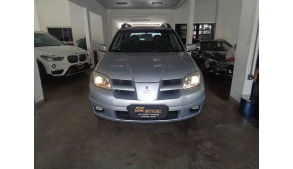 //www.autoline.com.br/carro/mitsubishi/airtrek-24-16v-gasolina-4p-automatico-4x4/2003/goiania-go/11220441