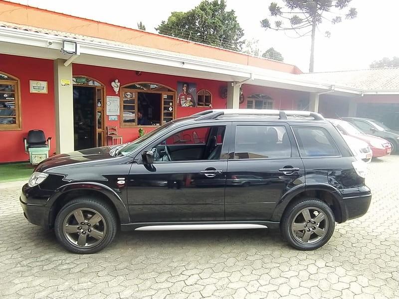 //www.autoline.com.br/carro/mitsubishi/airtrek-24-16v-gasolina-4p-automatico-4x4/2008/curitiba-pr/13026933