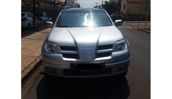 //www.autoline.com.br/carro/mitsubishi/airtrek-24-16v-gasolina-4p-automatico-4x4/2007/botucatu-sp/6744233