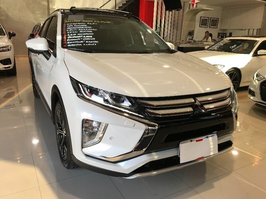 //www.autoline.com.br/carro/mitsubishi/eclipse-cross-15-hpe-s-16v-gasolina-4p-automatico-4x4-turbo/2019/curitiba-pr/13036877