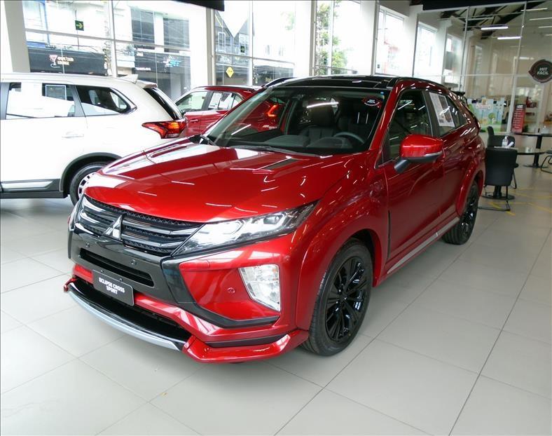 //www.autoline.com.br/carro/mitsubishi/eclipse-cross-15-hpe-s-16v-gasolina-4p-automatico-4x4-turbo/2020/sao-paulo-sp/13150179