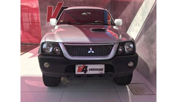 //www.autoline.com.br/carro/mitsubishi/l200-25-gl-8v-diesel-4p-manual-4x4-turbo-intercool/2008/campo-grande-ms/6997288