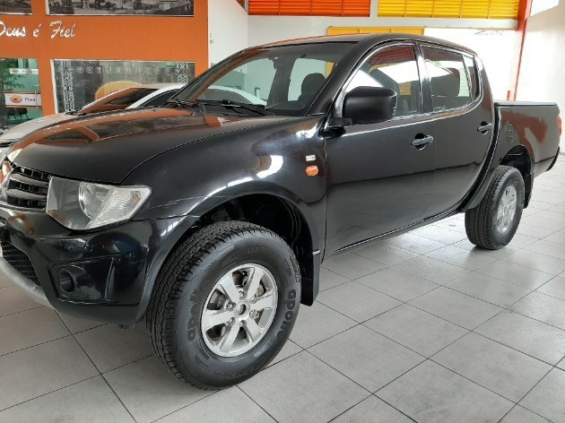//www.autoline.com.br/carro/mitsubishi/l200-triton-32-gls-16v-diesel-4p-manual-4x4-turbo-interco/2013/manaus-am/12499603