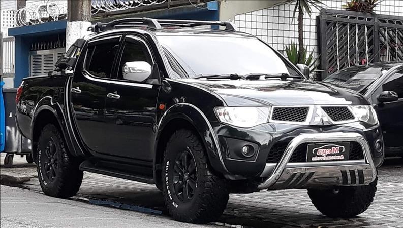 //www.autoline.com.br/carro/mitsubishi/l200-triton-32-hpe-4x4-16v-turbo-ic-170cv-4p-diesel-manua/2012/santos-sp/12769810
