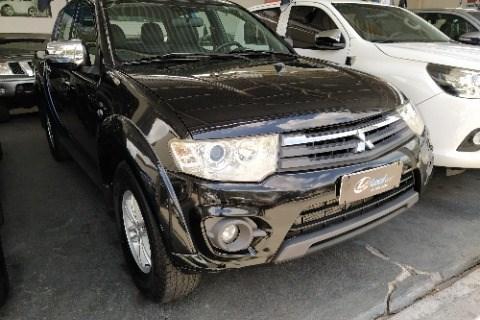 //www.autoline.com.br/carro/mitsubishi/l200-triton-32-hpe-16v-diesel-4p-4x4-turbo-automatico/2014/campina-grande-pb/13980660