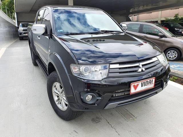 //www.autoline.com.br/carro/mitsubishi/l200-triton-32-hpe-16v-diesel-4p-4x4-turbo-automatico/2015/campina-grande-pb/14117372