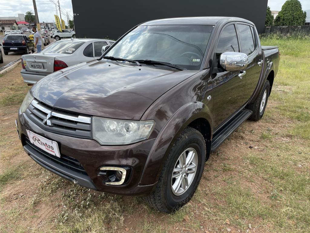 //www.autoline.com.br/carro/mitsubishi/l200-triton-32-hpe-16v-diesel-4p-4x4-turbo-automatico/2015/gurupi-to/14920608