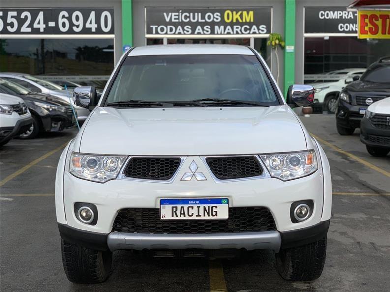 //www.autoline.com.br/carro/mitsubishi/l200-triton-32-hpe-16v-diesel-4p-4x4-turbo-automatico/2013/sao-paulo-sp/15206704