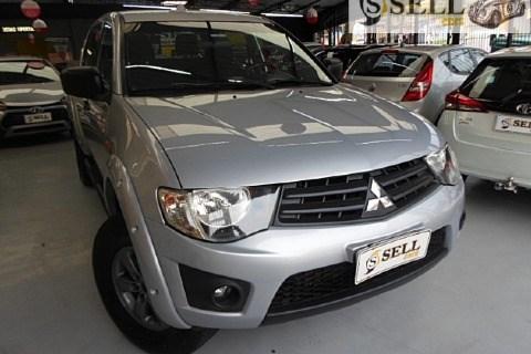 //www.autoline.com.br/carro/mitsubishi/l200-triton-32-glx-16v-diesel-4p-4x4-turbo-manual/2016/sao-paulo-sp/15714742