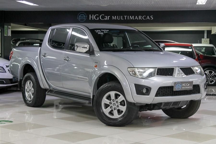 //www.autoline.com.br/carro/mitsubishi/l200-triton-35-v6-24v-flex-4p-4x4-automatico/2012/belo-horizonte-mg/15761310