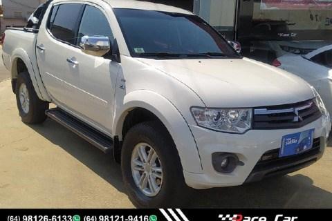 //www.autoline.com.br/carro/mitsubishi/l200-triton-32-hpe-16v-diesel-4p-4x4-turbo-automatico/2014/catalao-go/15791067