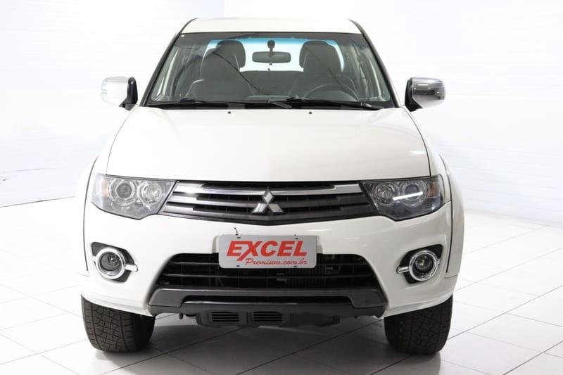 //www.autoline.com.br/carro/mitsubishi/l200-triton-32-hpe-16v-diesel-4p-4x4-turbo-automatico/2016/curitiba-pr/15819509