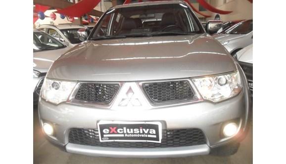 //www.autoline.com.br/carro/mitsubishi/l200-triton-32-hpe-16v-diesel-4p-automatico-4x4-turbo-int/2013/sao-jose-do-rio-preto-sp/9185889
