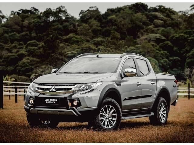 //www.autoline.com.br/carro/mitsubishi/l200-triton-outdoor-24-hpe-s-16v-picape-diesel-4p-automatico-4x4/2021/ribeirao-preto-sp/12543019