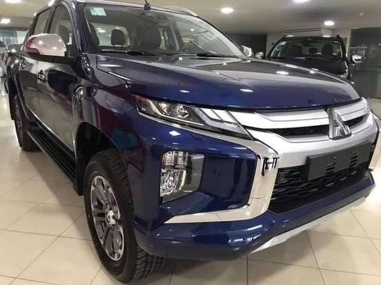 //www.autoline.com.br/carro/mitsubishi/l200-triton-outdoor-24-hpe-s-16v-picape-diesel-4p-automatico-4x4/2021/sao-paulo-sp/13168555