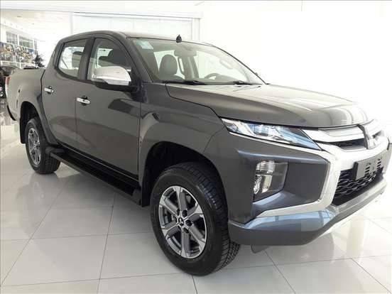 //www.autoline.com.br/carro/mitsubishi/l200-triton-outdoor-24-hpe-16v-picape-diesel-4p-automatico-4x4-tu/2021/sao-paulo-sp/13168557