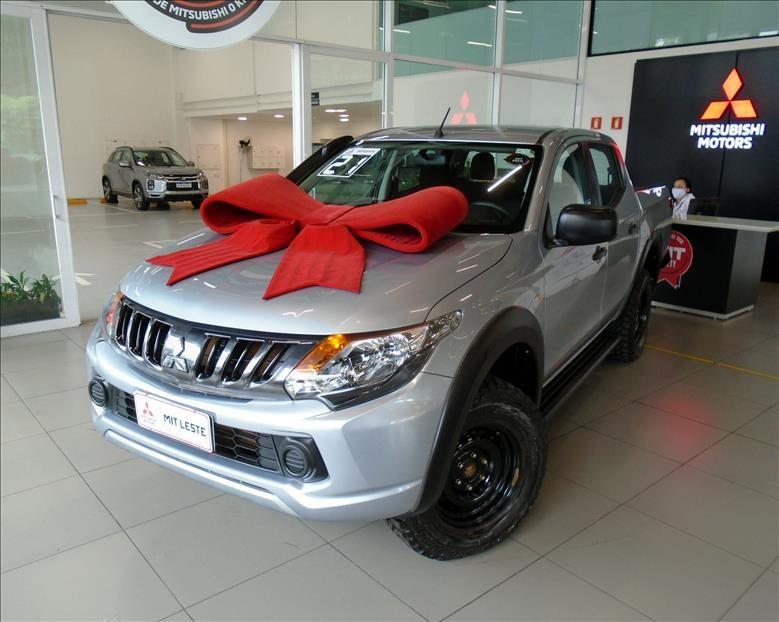 //www.autoline.com.br/carro/mitsubishi/l200-triton-outdoor-24-gls-16v-diesel-4p-4x4-turbo-automatico/2021/sao-paulo-sp/14053982