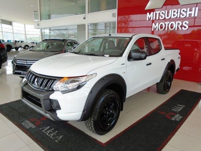 //www.autoline.com.br/carro/mitsubishi/l200-triton-outdoor-24-glx-16v-diesel-4p-4x4-turbo-manual/2022/sete-lagoas-mg/14371368