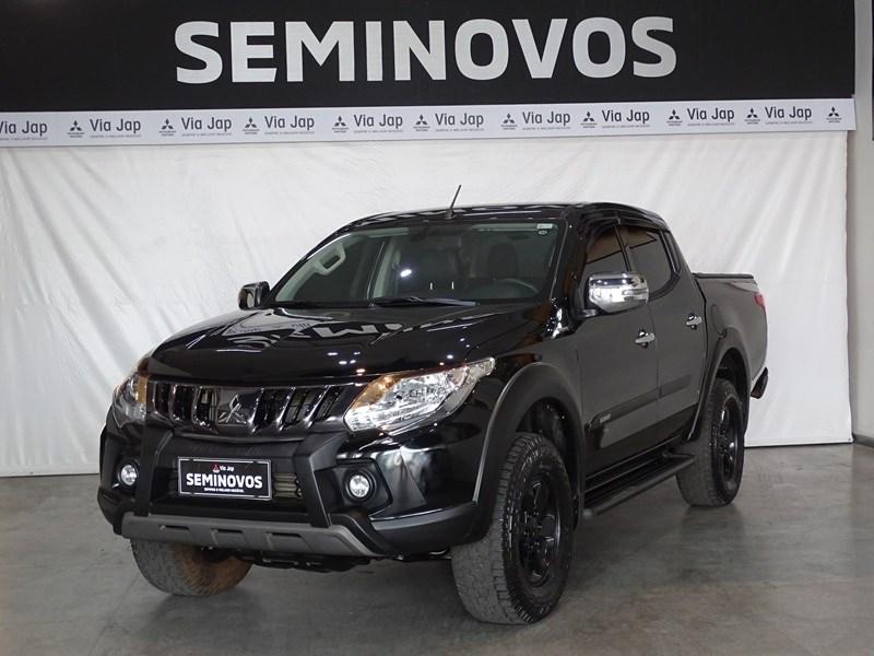 //www.autoline.com.br/carro/mitsubishi/l200-triton-outdoor-24-hpe-16v-diesel-4p-4x4-turbo-automatico/2021/belo-horizonte-mg/15855079