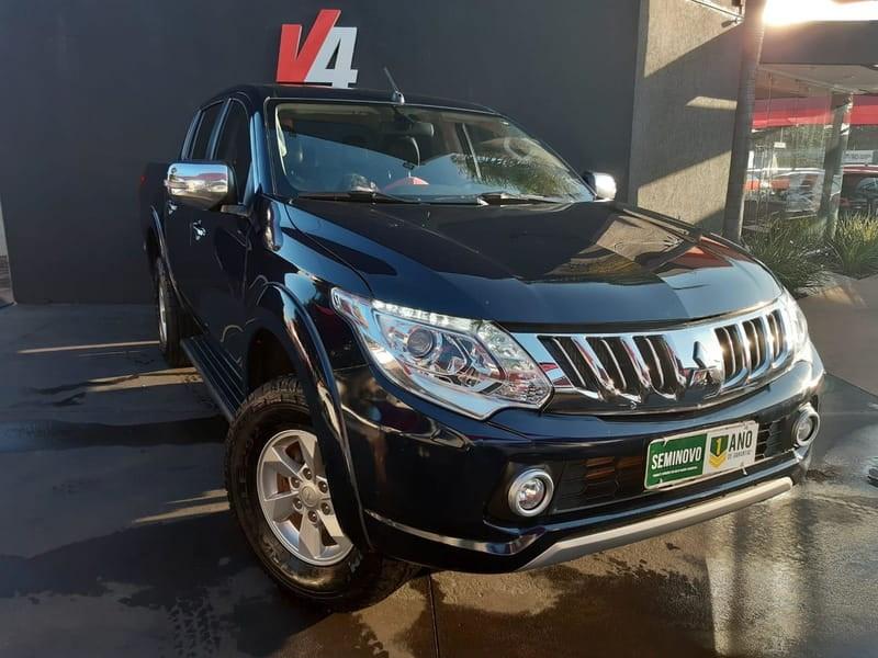 //www.autoline.com.br/carro/mitsubishi/l200-triton-sport-24-hpe-16v-picape-diesel-4p-automatico-4x4-tu/2017/campo-grande-ms/12653453