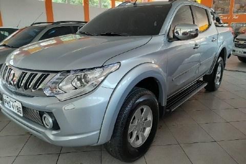 //www.autoline.com.br/carro/mitsubishi/l200-triton-sport-24-hpe-s-16v-picape-diesel-4p-automatico-4x4/2018/manaus-am/12749300