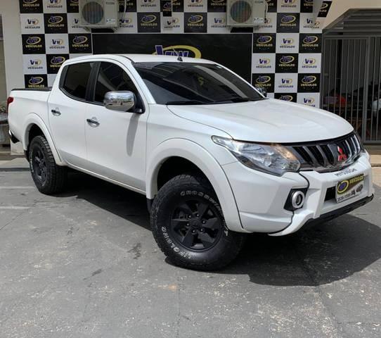 //www.autoline.com.br/carro/mitsubishi/l200-triton-sport-24-hpe-16v-diesel-4p-4x4-turbo-automatico/2020/ariquemes-ro/13515113