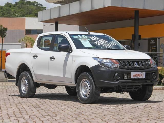 //www.autoline.com.br/carro/mitsubishi/l200-triton-sport-24-gl-16v-diesel-4p-4x4-turbo-manual/2019/juiz-de-fora-mg/13795752