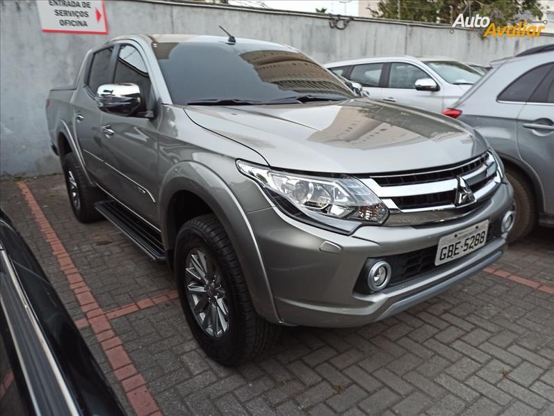 //www.autoline.com.br/carro/mitsubishi/l200-triton-sport-24-hpe-s-16v-diesel-4p-4x4-turbo-automatico/2019/sao-paulo-sp/14937972