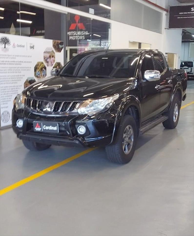 //www.autoline.com.br/carro/mitsubishi/l200-triton-sport-24-hpe-s-16v-diesel-4p-4x4-turbo-automatico/2020/barueri-sp/15847964