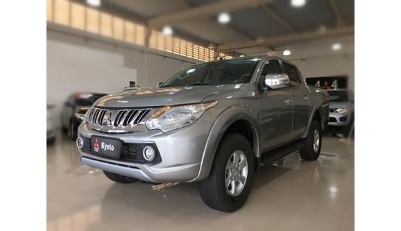 //www.autoline.com.br/carro/mitsubishi/l200-triton-sport-24-hpe-16v-picape-diesel-4p-automatico-4x4-tu/2018/ribeirao-preto-sp/7001393