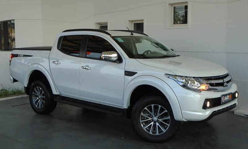 //www.autoline.com.br/carro/mitsubishi/l200-triton-sport-24-hpe-s-16v-picape-diesel-4p-automatico-4x4/2020/brasilia-df/9226191