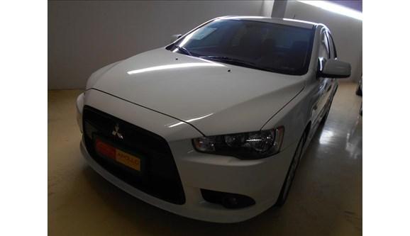 //www.autoline.com.br/carro/mitsubishi/lancer-20-16v-sedan-gasolina-4p-automatico/2015/campinas-sp/6801187