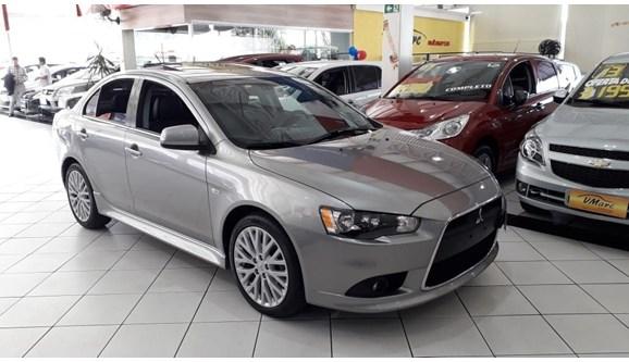 //www.autoline.com.br/carro/mitsubishi/lancer-20-gt-16v-sedan-gasolina-4p-automatico/2015/sao-paulo-sp/9435148