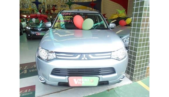 //www.autoline.com.br/carro/mitsubishi/outlander-20-16v-gasolina-4p-automatico/2014/campinas-sp/10229664