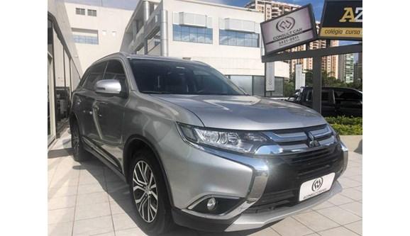 //www.autoline.com.br/carro/mitsubishi/outlander-20-comfort-16v-gasolina-4p-automatico/2018/rio-de-janeiro-rj/10367547
