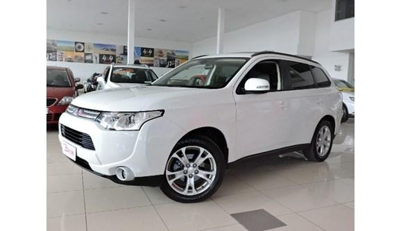 //www.autoline.com.br/carro/mitsubishi/outlander-20-16v-gasolina-4p-automatico/2015/caxias-do-sul-rs/5865330